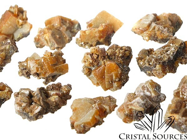 Wulfenite groupe de cristaux bruts