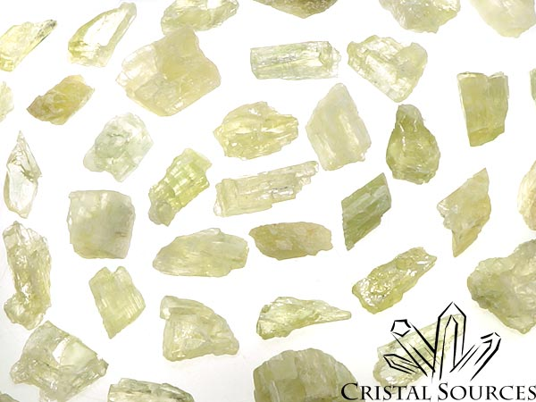 Hiddenite, lot de 10 fragments bruts (spodumène)
